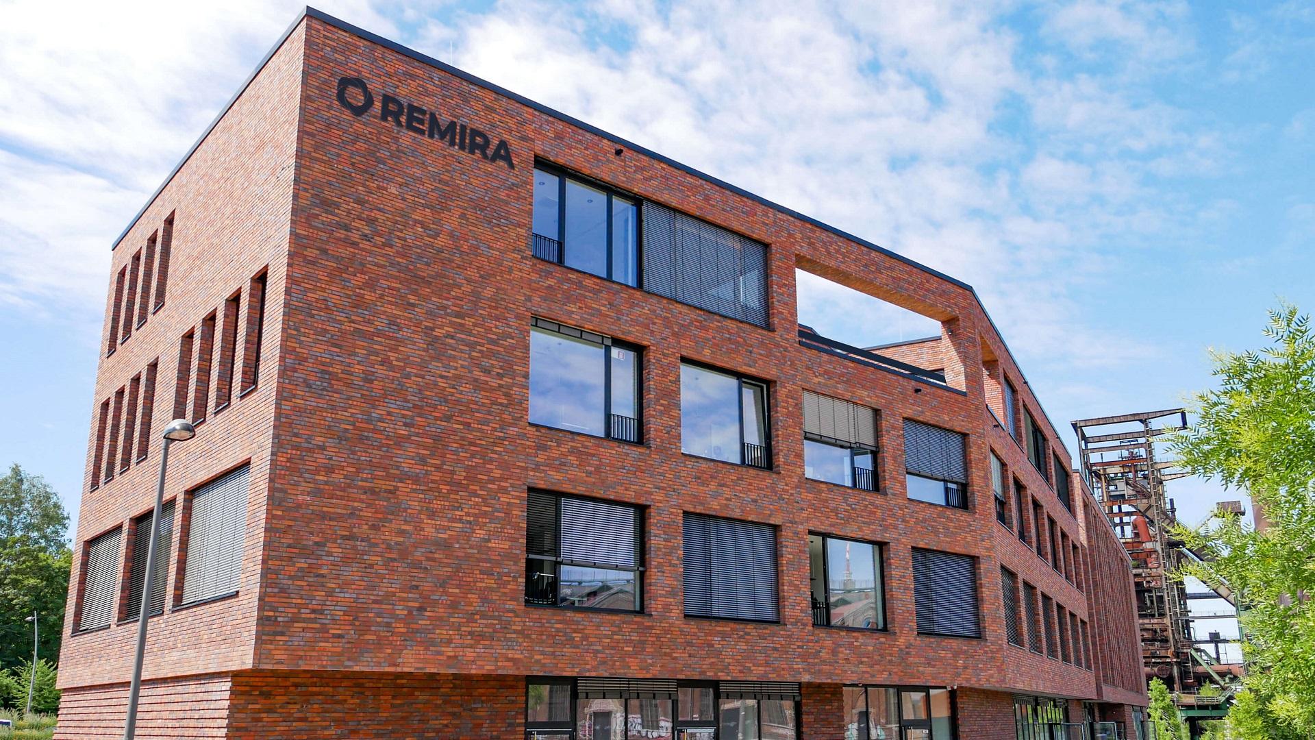 REMIRA Gebäude in Dortmund mit Logo